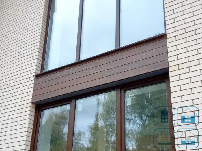 Фото отделки фасада облицовочным кирпичем и фасадными панелями NICHIHA EPC241 под дерево