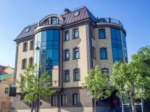 Облицовка фасада здания фиброцементными плитами. Владивосток