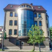 Отделка фасадными панелями НИЧИХА EJB 623 4-х этажного здания. Владивосток