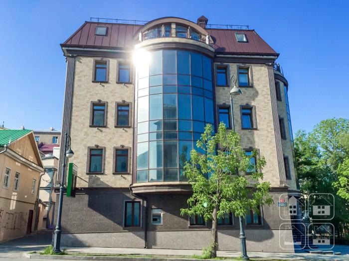 Отделка фасадными панелями НИЧИХА 4-х этажного здания. Владивосток