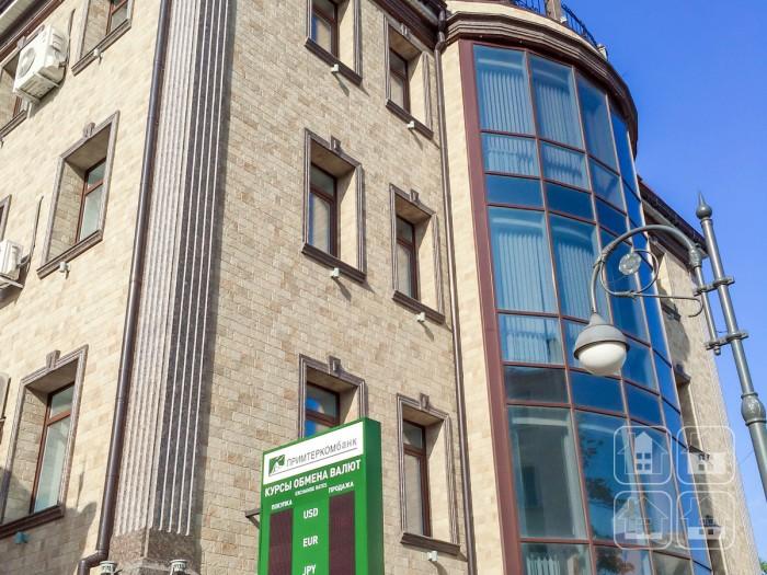 Фасадные панели NICHIHA под камень для здания банка. Владивосток