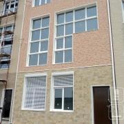 Навесной фасад для таунхауса с панелями EJB623 + WFX674