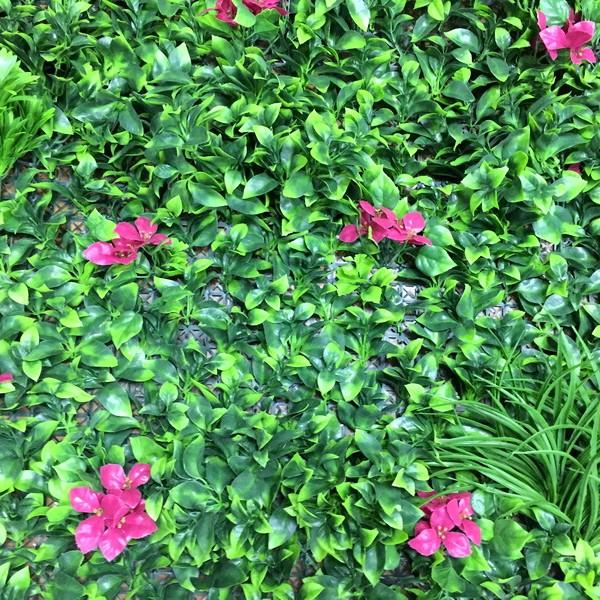 Искусственная изгородь Микс 28 зеленая трава с красными цветами