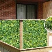 Зеленое ограждение для террасы из модулей искусственной зелени